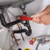 Covid-19 : dans quelles conditions recourir à un professionnel plombier?