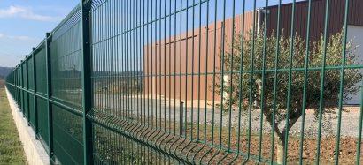 Quelle sorte de clôture utiliser pour délimiter un terrain agricole ?
